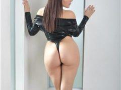Anunturi escorte sexy: Bruneta Vin doar la Hotel